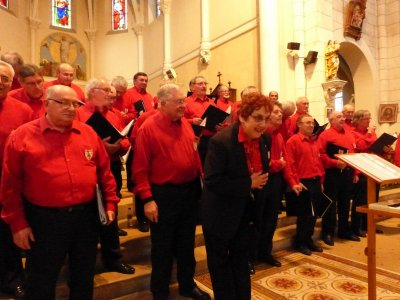 Avril 2014- concert de printemps- choeur Cantelandes accompagné de Frederic Doucet au piano et choeur d'hommes de Momuy- Eglise de Sanguinet